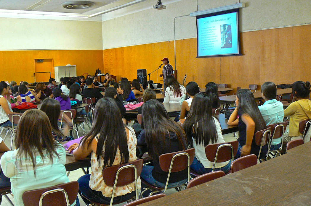 Lanny sharing his story with high school freshmen